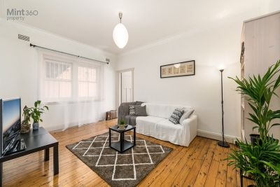 2/23A Allens Parade, Bondi Junction