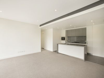 7th floor 2 Bedroom apartment with park views