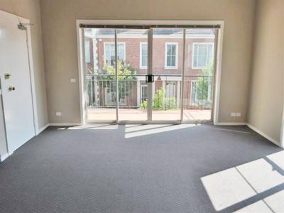 Studley Views: Stylish and Spacious Three Bedroom Apartment!