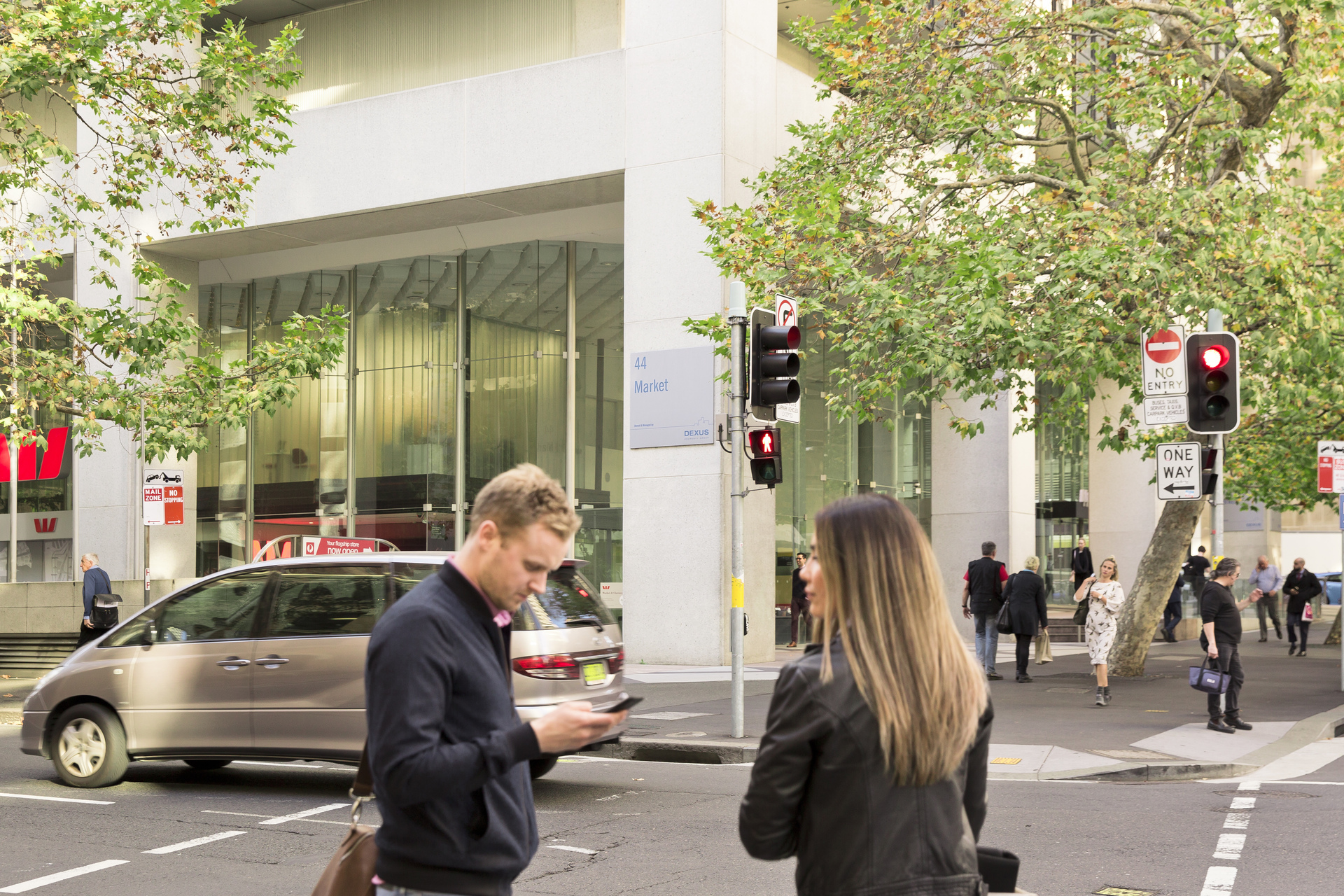5-STAR OFFICES LOCATED IN THE HEART OF SYDNEY CITY FOR 4-PERSON