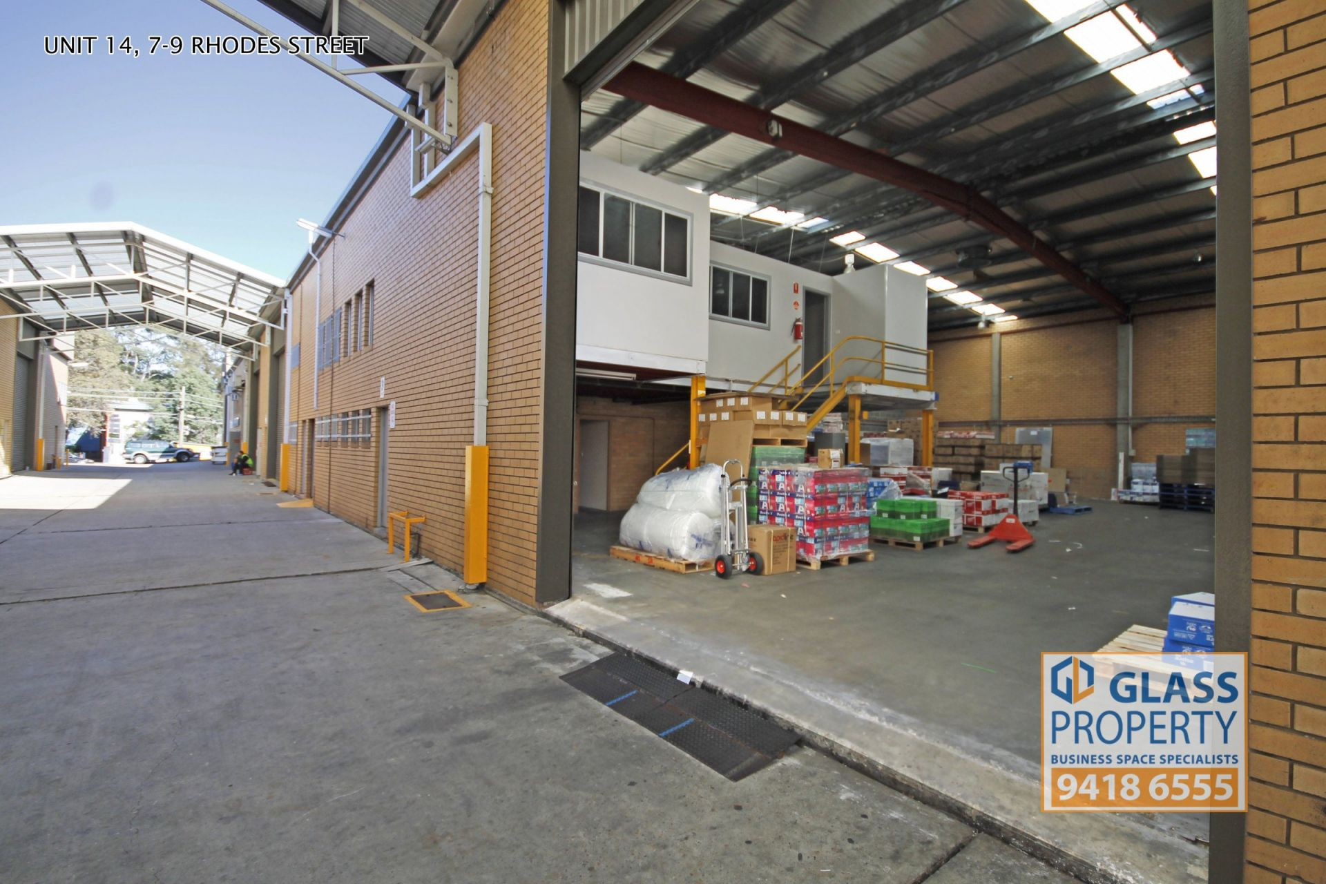 Great Quality High Clearance Warehouse - 412m2