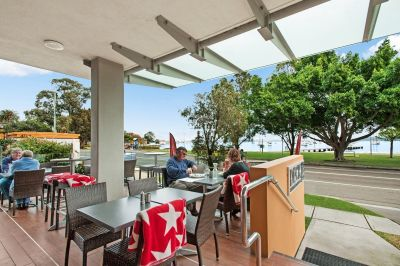 WOW - Lake Macquarie Waterfront Dining