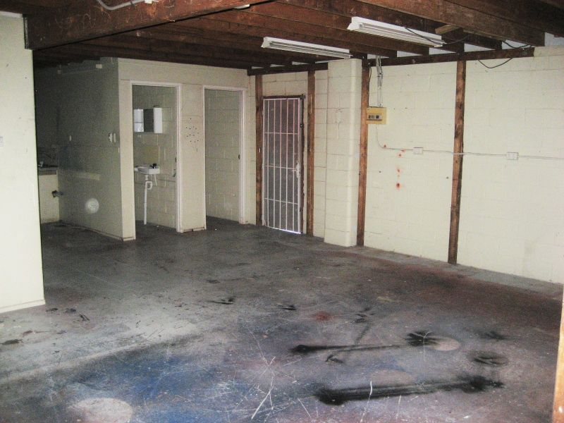 VACANT POSSESSION - WAREHOUSE WITH OFFICE