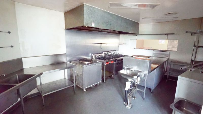 Fully fitted out restaurant – owner ready to do deal!
