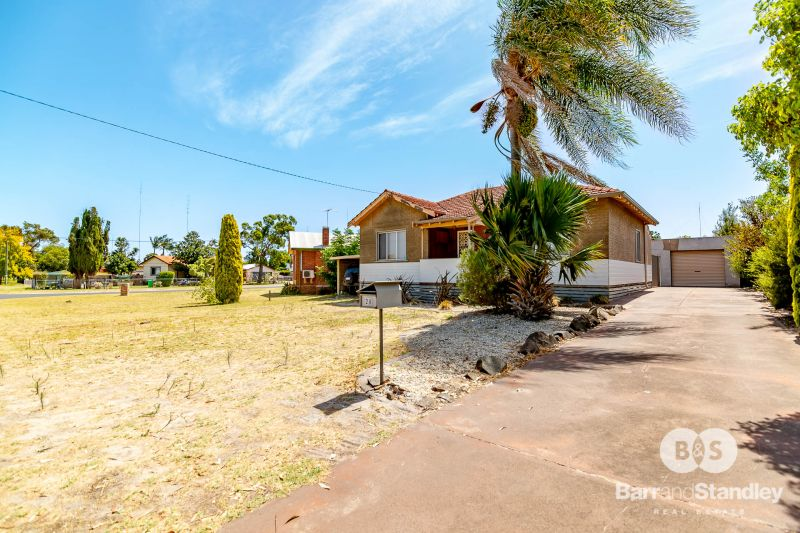 28 Hands Avenue, Carey Park