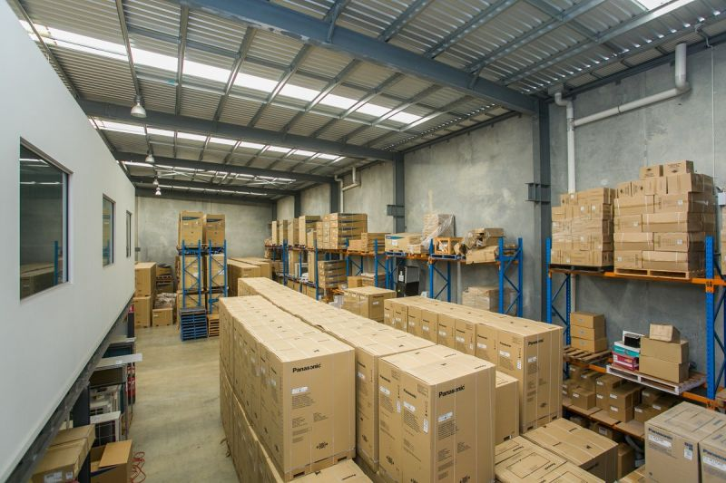 5 YEAR LEASEBACK OR VACANT POSSESSION SALE