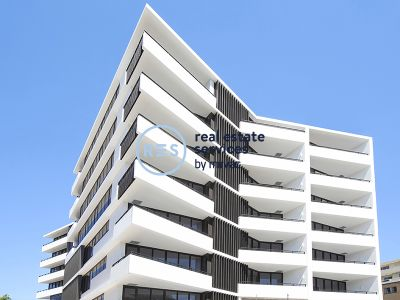 Sunny North-Facing 1-Bedroom Apartment with Parking in 'The Moreton', Bondi