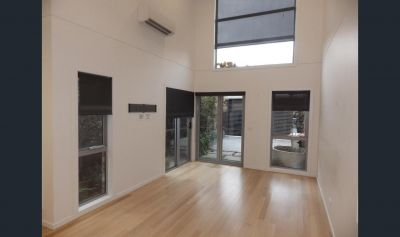 Charming & Sleek With A Desirable Layout. Special offer: 2 week's FREE rent!
