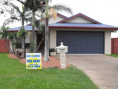 Family home in Greenview -  Mount Louisa !!