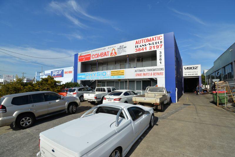 Open Plan Ground Floor Retail / Office On Logan Road - 205sqm*