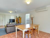 8/29 Oatland Crescent Holland Park West, Qld