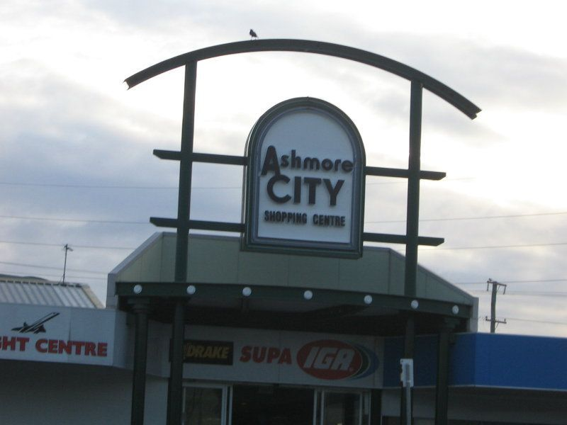 Best Shops in Ashmore