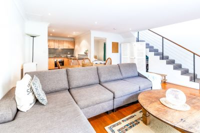 Privacy-Filled Haven in Bustling City-Fringing Locale