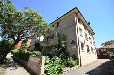 2 Bedroom Unit - Great Location - 1 WEEK RENT FREE - INSPECT NOW!