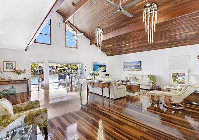 Architecturally Designed Masterpiece  Over 20.m* Waterfront