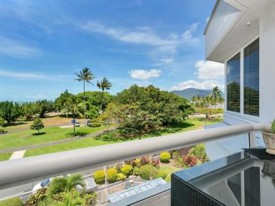 Stylish Apartment- Spectacular Ocean Views