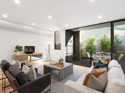 Brand new boutique residence in a coveted locale.
