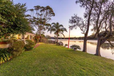Deceased Estate - MUST BE SOLD - Lakefront Cottage