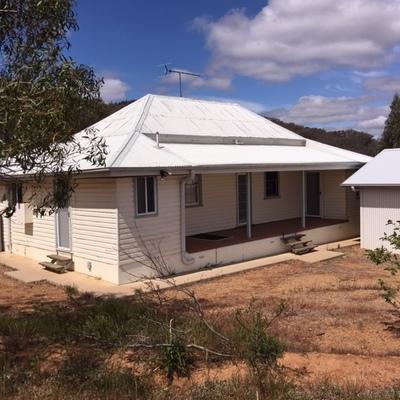 RURAL FARM HOUSE for lease Wagga Wagga