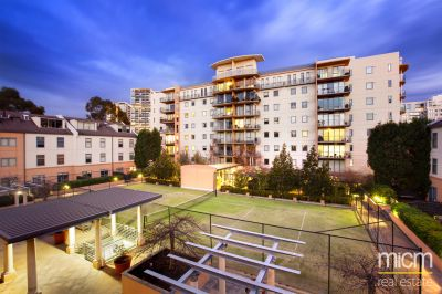 Southbank Royale: Bright and Spacious Two Bedroom Apartment Awaits!