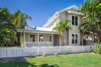 Beachside living in Seaside fully furnished and equipped