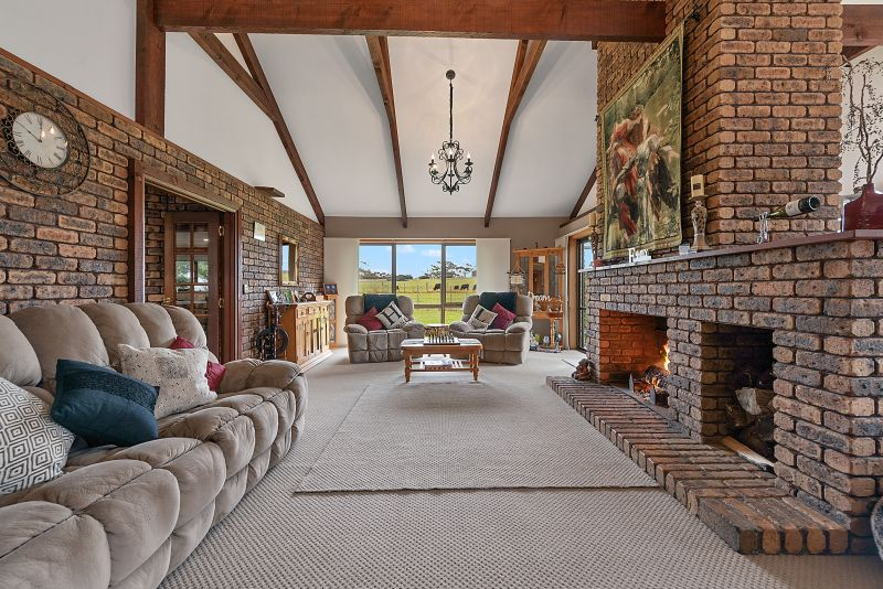 SENSATIONAL LOCATION, BOTH PRIVATE AND PEACEFUL