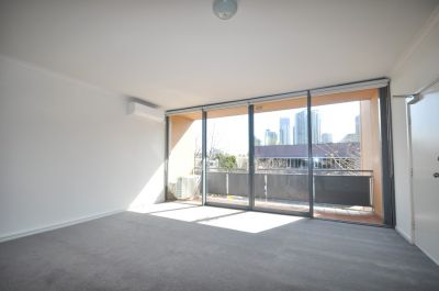 Southbank Royale - Beautifully Presented Two Bedroom Apartment!