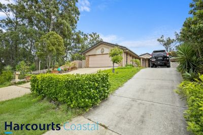 Spcious Family Home Backing onto Bushland