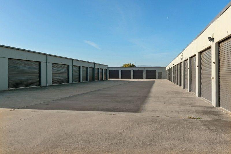 Storage Unit Near Airport