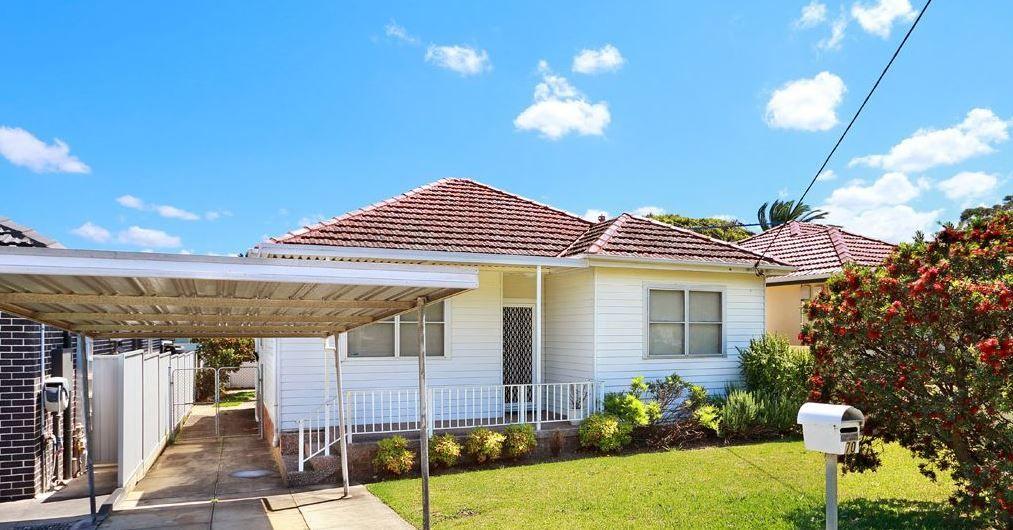70 Glamis Street, Kingsgrove NSW 2208