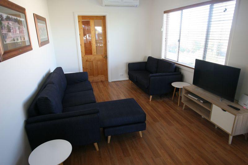Private Rentals: Blackmans Bay, TAS 7052