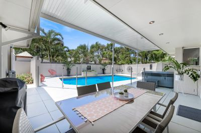 Walk to Noosa River and Gympie Terrace - Fully Furnished 4 Bed, Study, Pool, Spa!   9-12 Month Lease Negotiable