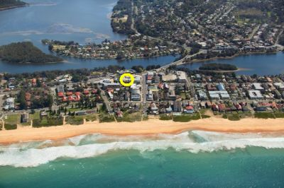 Two bed apt superbly positioned between Narrabeen beach and lake
