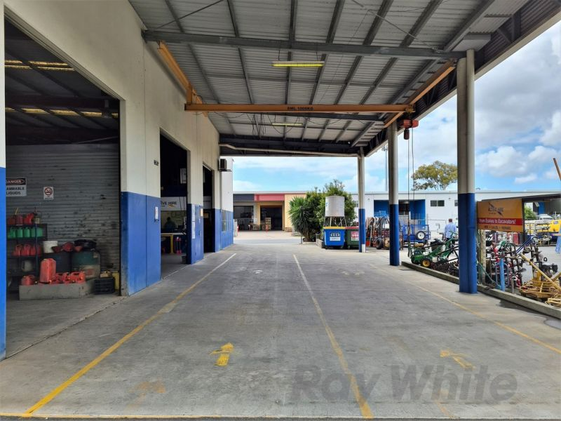 RARE - 400sqm* WAREHOUSE ON 2,176sqm* HIGH EXPOSURE SITE