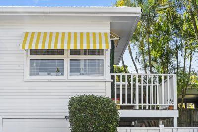 Palm Beach White Beach house - 1 block to Beach  Fully Renovated