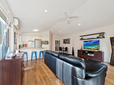 Spacious Duplex in the heart of Paradise Point