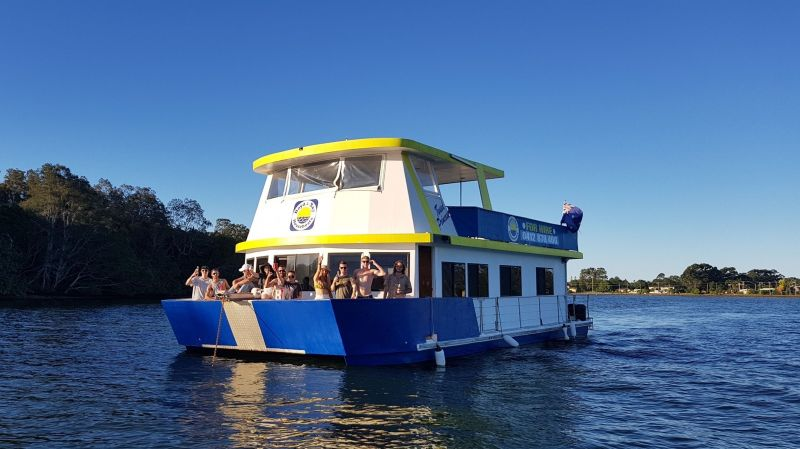 Boyd's Bay House Boat Holidays Hire Business For Sale - Gold Coast $1,099,000.00