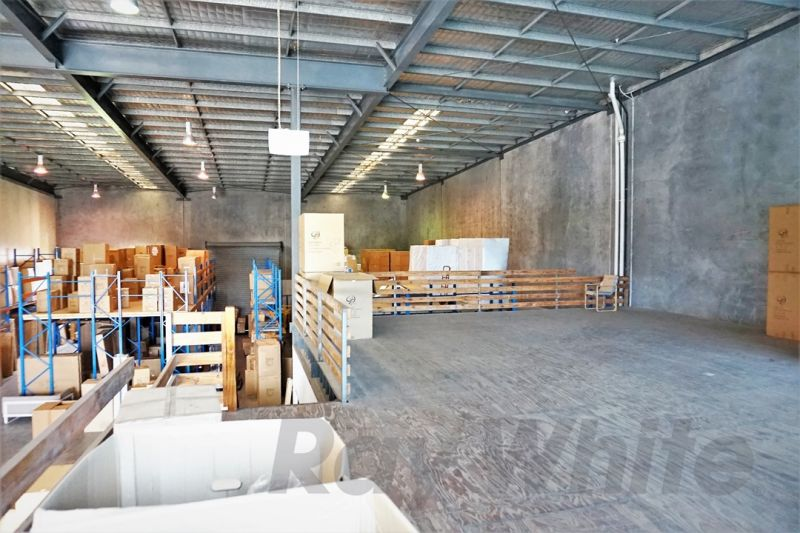 For Lease: 820sqm* HIGHLY FUNCTIONAL TRADECOAST INDUSTRIAL FACILITY