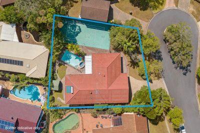Robina's Hottest Buy! Tennis Court, Swimming Pool, 840m2 Block!