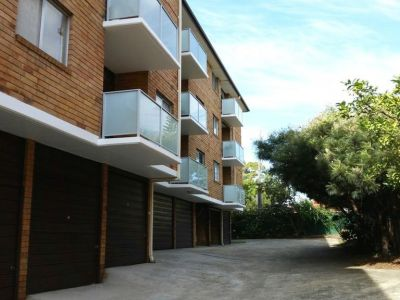 Renovated 2 Bedroom Unit convenient to everything,