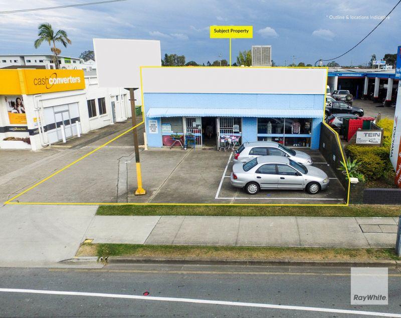 Huge Exposure in Strathpine Town Centre