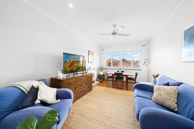 FABULOUS TWO BEDROOM APARTMENT WITH GARAGE