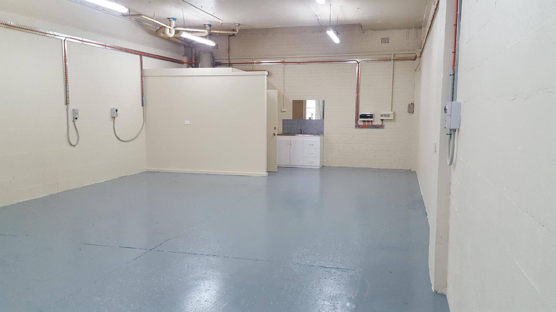 Unique Opportunity in Well Maintained Industrial Unit