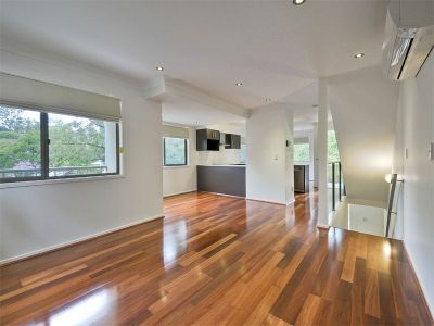 NEAT AND TIDY TOWNHOUSE, DON'T MISS OUT