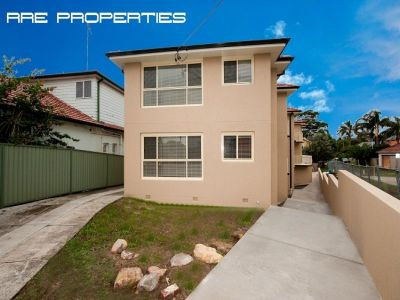 Contemporary Two Bedroom Unit with Lock Up Garage