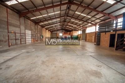 1,054sqm - High Clearance Warehouse with HUGE Exposure