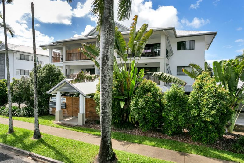 Modern two bedroom unit in ideal location