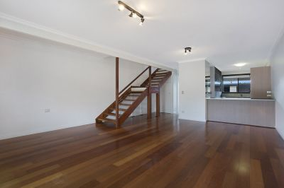 Outstanding 2 Storey Townhouse minutes to beach and the very new Pacific Fair, be Quick!