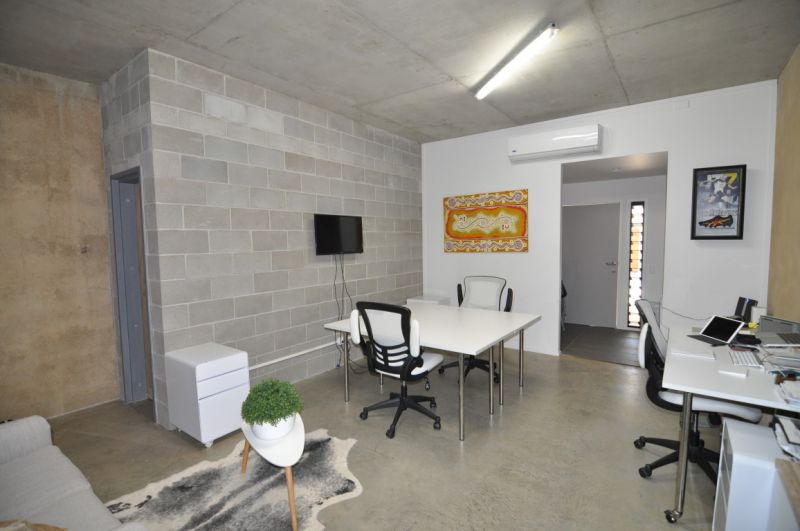 Affordable modern office/retail suite in West End