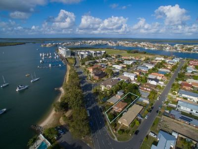 PARADISE POINT, QLD 4216